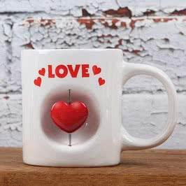 3D Kalp Tasarımlı Porselen Kupa