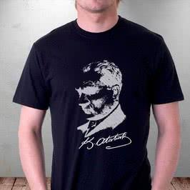 Atatürk Silüeti Baskılı İmzalı Tişört