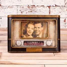 Eski Radyo Tasarımlı Dekoratif Çerçeve