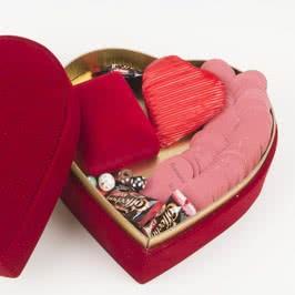 Gümüş Kolye Hediyeli Seni Seviyorum Mesajlı Hediye Sepeti