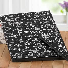 Einstein Formül Tasarımlı Siyah Not Defteri ve Beyaz Kalem