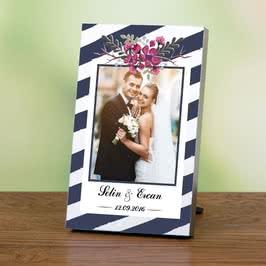 Evli Çiftlere Özel İsim Yazılı Baskılı Fotoğraf Çerçevesi