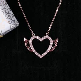Melek Kanatlı Kalp Gümüş Kolye