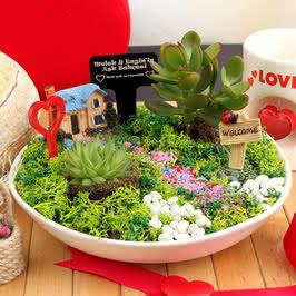 Mutlu Yuvamız Aşk Evi Canlı Bahçe