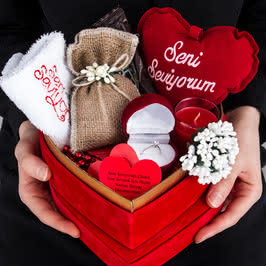 Sevgilinizi Mutlu Edecek Kalp Kutulu Tektaş Yüzük Sepeti