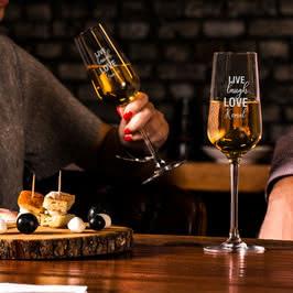 Arkadaşa Motto Mesajlı Şampanya Kadeh Seti